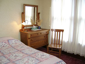 Lone Star Queen Guest Room 11